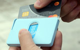 THUMB Transparant Red creditcardhouder_